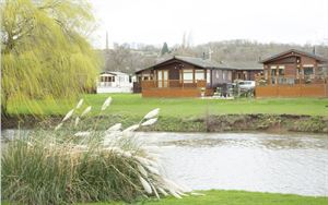 Stratford Parks - Leisure lifestyle beside the Avon