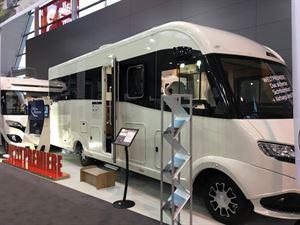le voyageur shows mirrorless motorhome motorhome news motorhomes campervans out and. Black Bedroom Furniture Sets. Home Design Ideas