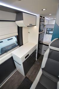 Pilote Van V600G Premium kitchen (Credit: Peter Vaughan)