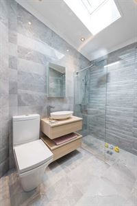 The en suite in the new Omar Heritage park home