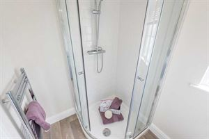 The en suite in the new Prestige Homeseeker Anthem park home