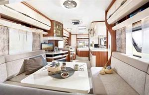 The Hobby Excellent 650 UMFe (French bed at the front and U-shaped lounge at the rear) replaces the 560 KMFe in the 2020 caravan season line-up from this German company