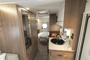 Compass Casita 454, a compact island bed