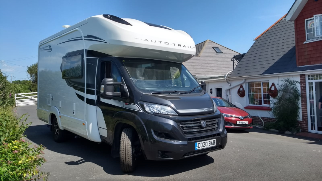 Auto-Trail Tracker EKS 2020 model