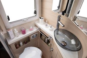 The washroom in the Mobilvetta Kea P67 motorhome