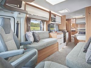 Bailey Autograph III interior French Bed Layout