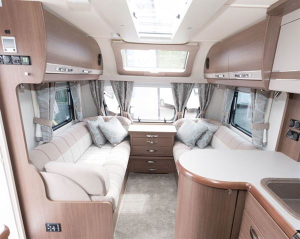 Buccaneer Commodore living space