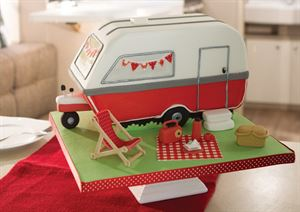 Our caravan cake in all its glory
