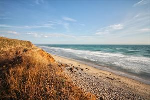 Compton Bay Beach. Image: VisitEngland/Jeremy Cangialosi