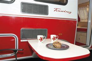 Al fresco dining in the Eriba Touring Troll 530 Rockabilly caravan