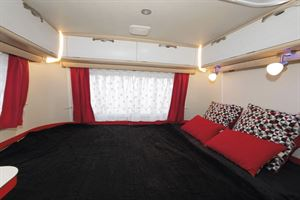 The bedroom in the Eriba Touring Troll 530 Rockabilly caravan