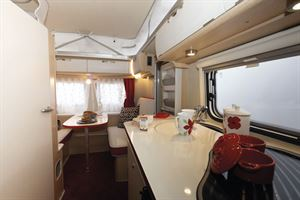 The kitchen in the Eriba Touring Troll 530 Rockabilly caravan