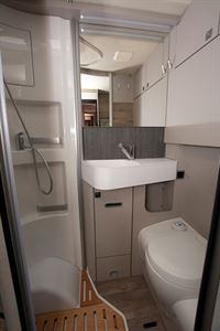 The washroom in the Hymer Exsis i-580 motorhome