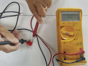 Checking the continuity of a fuse
