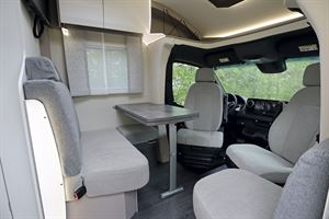 Seating in the front of the Frankia Neo MT 7 GD motorhome