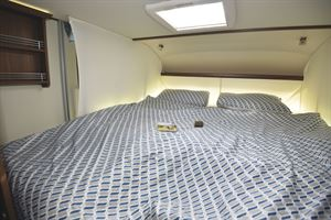 The double bed in the Frankia Platin I8400 Plus motorhome