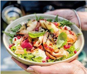 Grilled peach and serrano ham salad