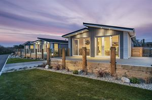 Gull Rocks Beach luxury lodges. Image: David Ball Agents