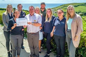 Highlands End Holiday Park team with award