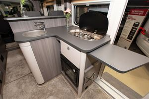 The kitchen in the Hobby Optima OnTour T65 HKM