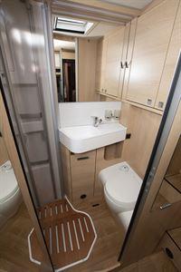 The washroom in the Hymer B-MC I 600 WhiteLine motorhome