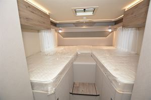 Single beds in the Hymer Exsis-i 580 Pure motorhome