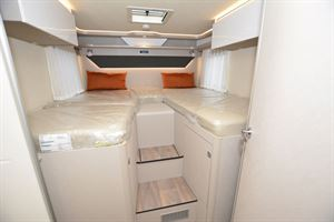 Twin beds in the Hymer T-Class S 685 motorhome