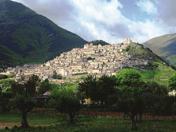 Morano Calabro perches on the hill like  a sandcastle