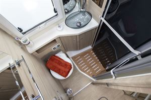 The washroom in the Mobilvetta K-Yacht 80