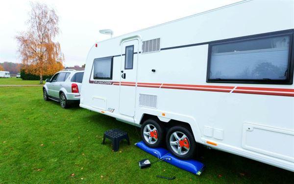 Lock'n'Level caravan levelling system