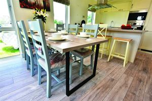 Oakwood Maple holiday home dining room