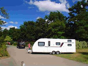 https://www.outandaboutlive.co.uk/caravans/articles/practical-advice/guide-to-buying-a-family-caravan