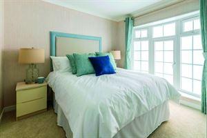 Omar Sandringham bedroom