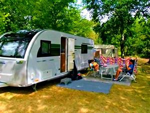 Outside living with the Adria Adora 613 UT Thames
