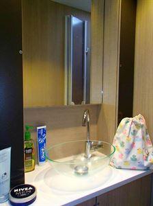 The washroom in the Adria Adora 613 UT Thames