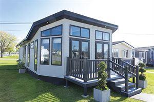 A prestige Homeseeker Glasshouse
