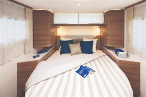 Rapido C86 Island Bed Layout