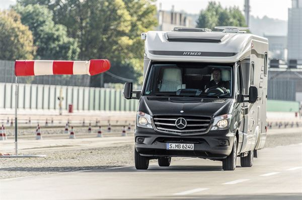 Mercedes testing its Cross Wind assist function © Warners Group Publications, 2019