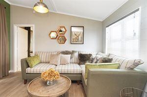Tingdene Savannah Centre Lounge (Image courtesy of Tingdene Homes)