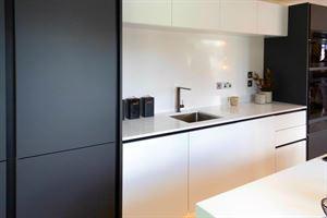 Stark white design in the kitchen