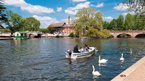 Stratford-upon-Avon – a resort in the middle of England