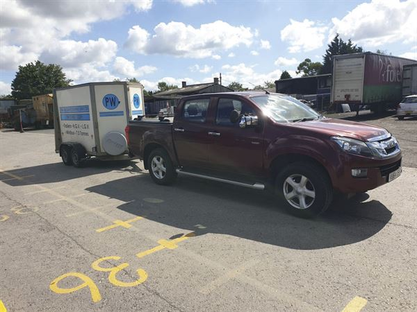 The test vehicle and trailer