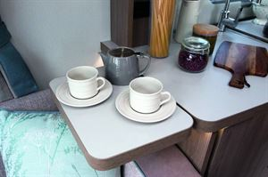 The 29cm kitchen extension is the ideal spot for your tea cups