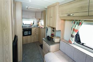 The 422 looks and feels much more spacious than its compact dimensions would suggest