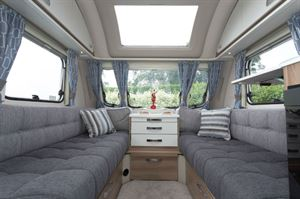 The 1.9m settees