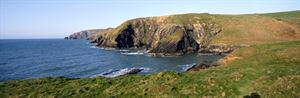 The Pembrokeshire coastline, image: VisitBritain/Britain on View