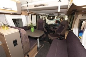 The lounge in the Weinsberg CaraCore 650 MF