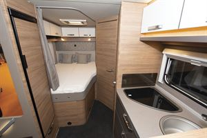 The bed in the Weinsberg CaraCore 650 MF