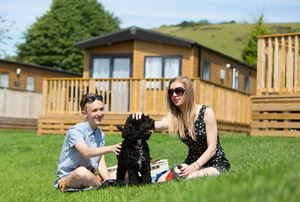 Dog-friendly holidays at Whitehill Country Park