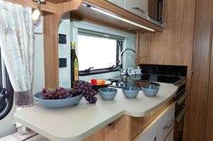 The kitchen has a 30 cm surface extension